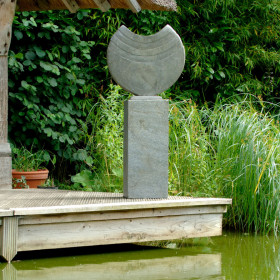 Ikra 60cm Natural Slate Sculpture With Surmi Plinth