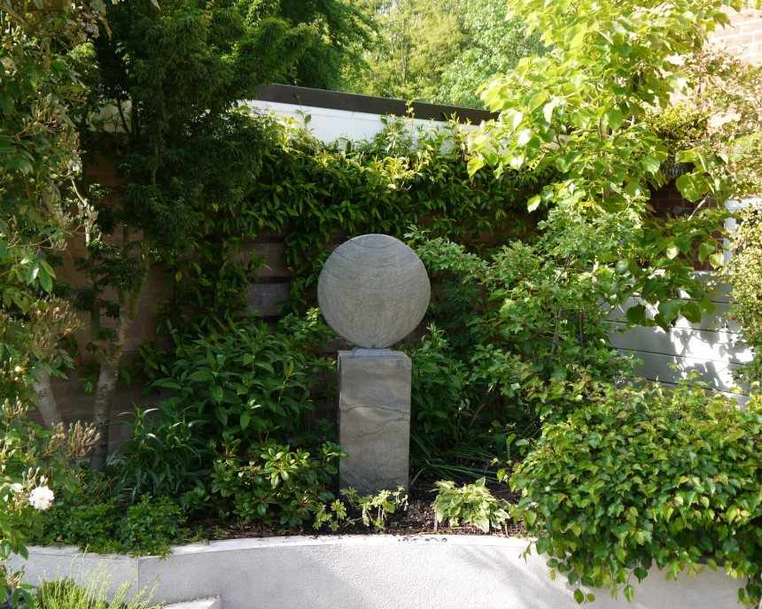 Caviara On Surmi Plinth