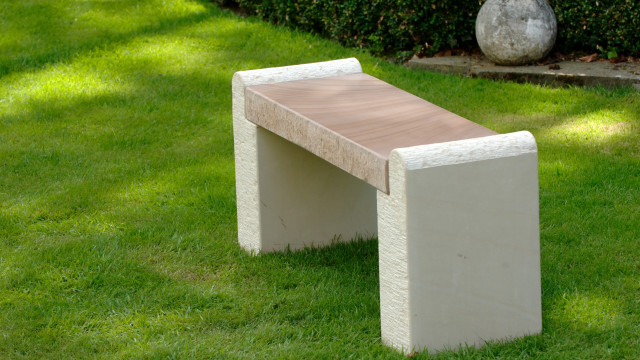 Hampton Cream and Forest Brown Sandstone Bench
