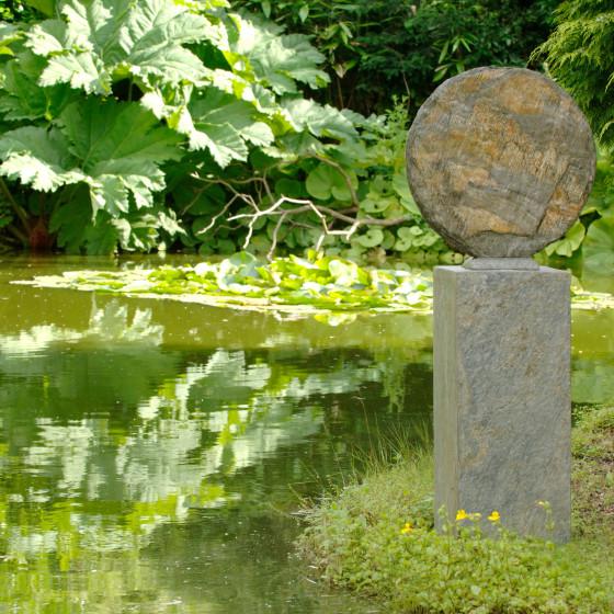 Basa 40cm Natural Slate Sculpture With Surmi Plinth