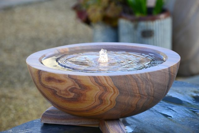 Exceptionnel Infinity Self Contained Rainbow Sandstone Water Feature